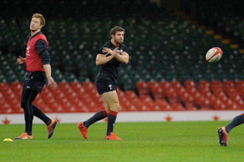 pays de galles halfpenny apte pour l'angleterre rugby 6 nations xv de départ 15