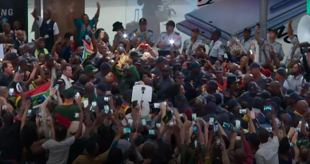 vidéo les springboks accueillis en héros rugby coupe du monde xv de départ 15