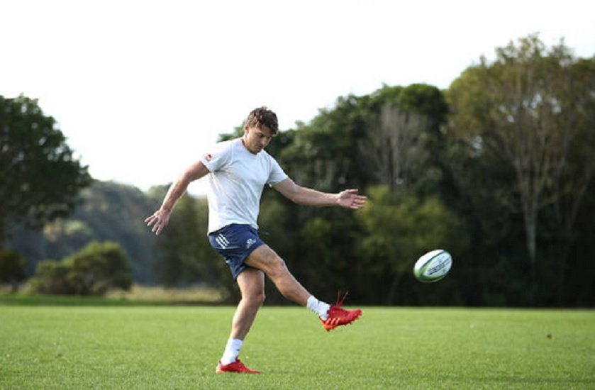 beauden barrett impressionne déjà super rugby international xv de départ 15